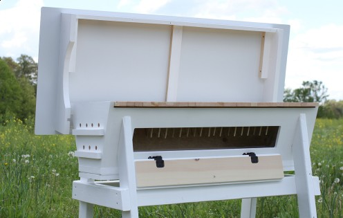 Our top bar hives come with a hinged aluminum composite roof to keep your hive protected from the element